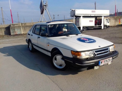 Saab 900 por Roland