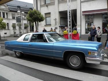 Нет официального победителя, но с точки зрения мощности двигателя он выделяется на каждом авто квартете: Cadillac Coupé de Ville из 1976 с двигателем 8,2-l. Не потребление, а перемещение.