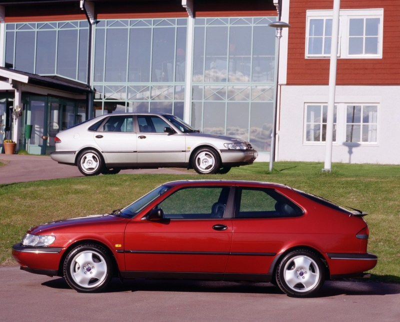 Saab 900 II Coupe en Sedan