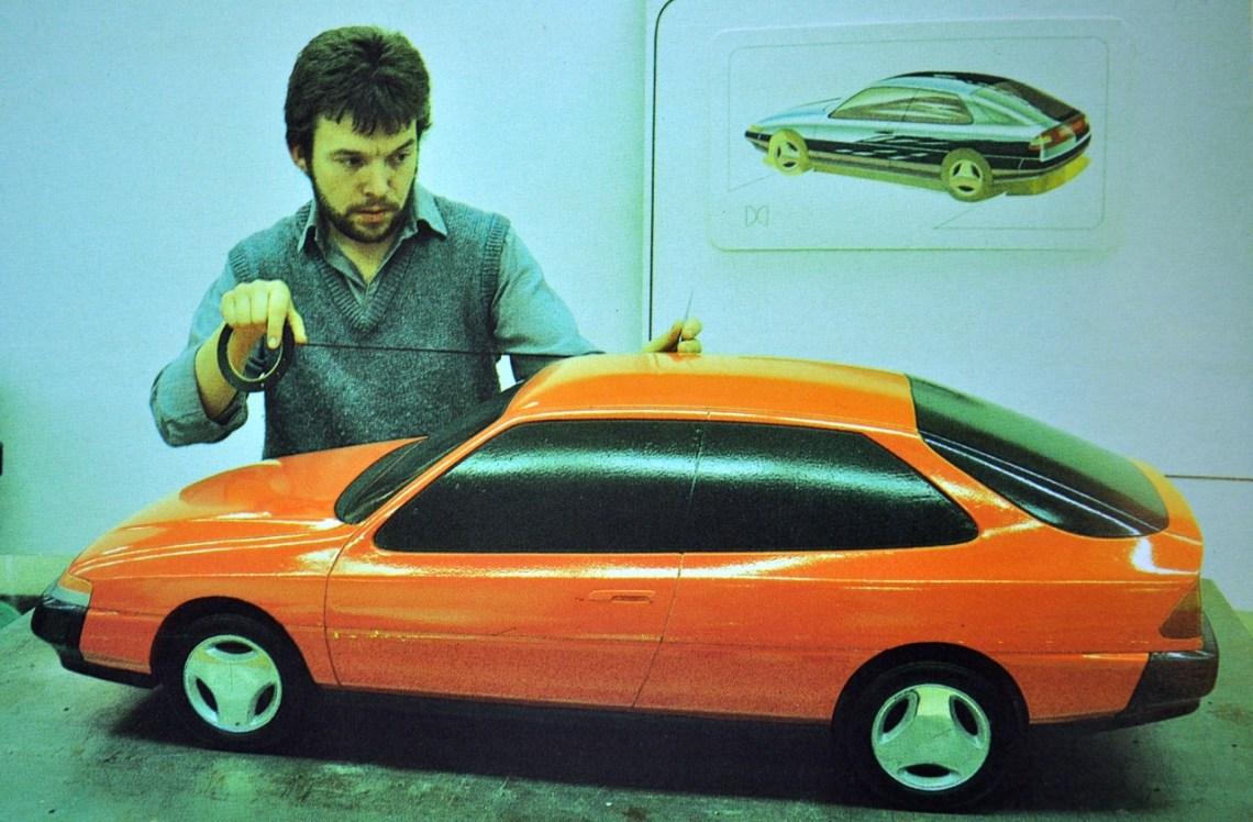 Geoff Wardle arbeitet am Saab X67 Projekt.