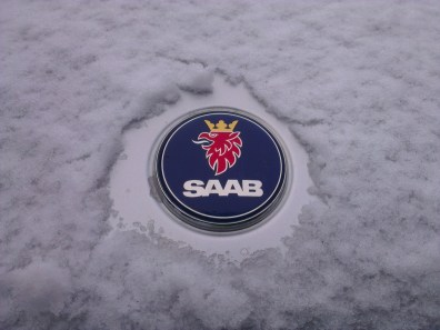Logo Saab in inverno
