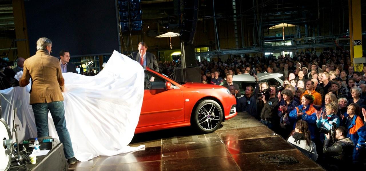 Saab Independence Day. Unabhängigkeit 7 Jahre später.
