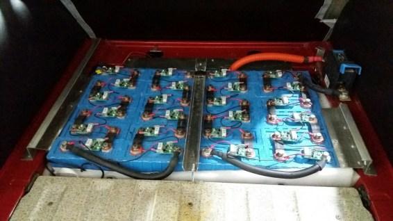Alles elektrisch? Batterijen in de 95. Fotocredit: 1. Duitse Saab Club