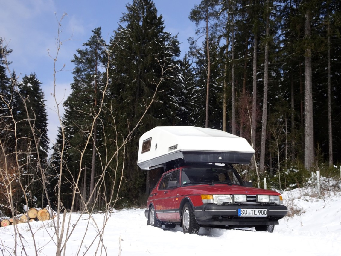 Winter camping? No problem with a Saab. Photo by Thorsten.