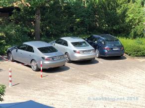 Hotelparkplatz. 3 tolle Sääbe!