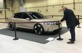 Estudo NEVS de um sedan de carro elétrico