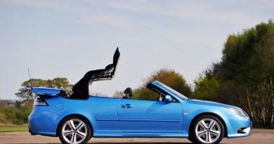 É maio. O que é melhor do que ter um Saab aberto?