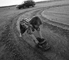 Due bambini di quattro anni: il bambino di prima scelta testato per incidente e il sostituto per 9-3