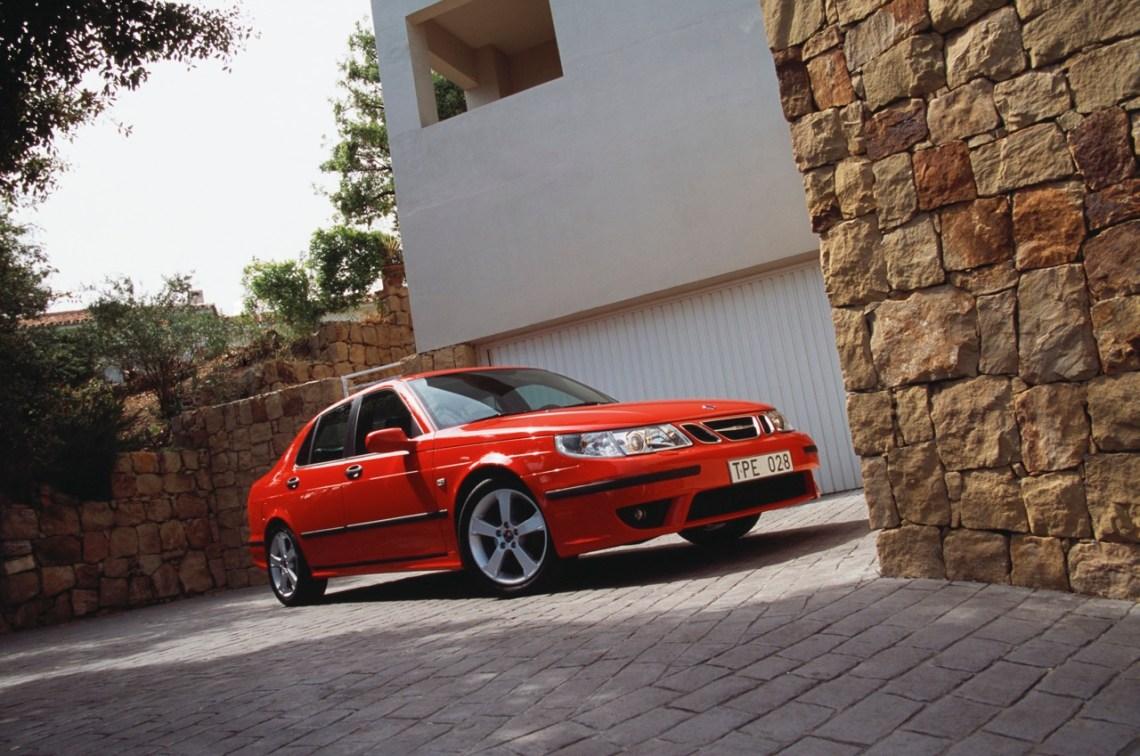 Saab 9-5 Aero модельного года 2005. Какие еще парки у входной двери. Есть ли альтернативы Saab?