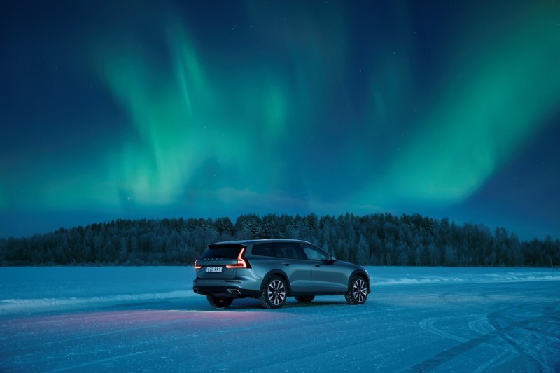 Volvo V60 Cross Country T5 Test Drive in Luleå
