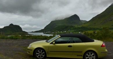 Зеленый в зеленом, Saab на Лофотенских островах, недалеко от Унстад