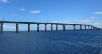 Spectacular! Ponte de Kalmar para Öland.