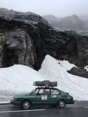 Schnee, Eis, Saab 900. Alles passt.