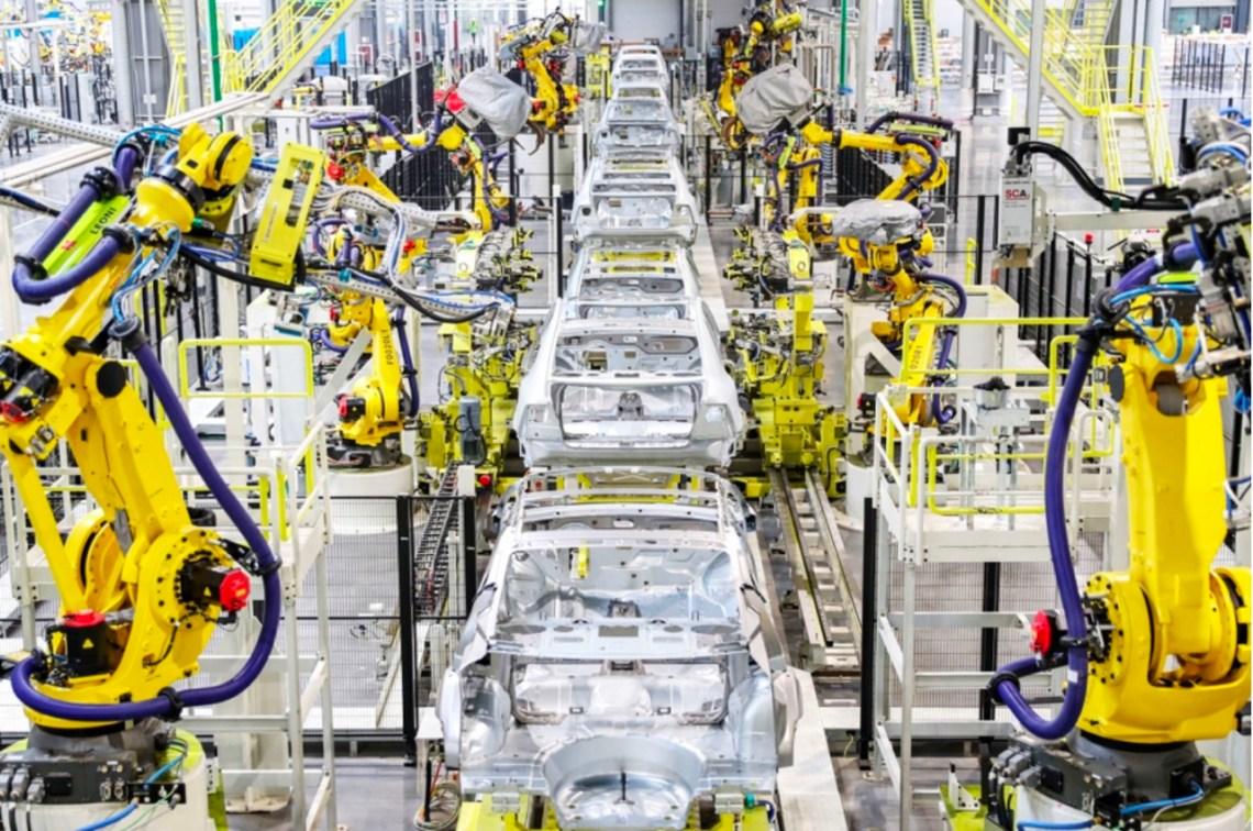 Производство NEVS 9-3 в Тяньцзине