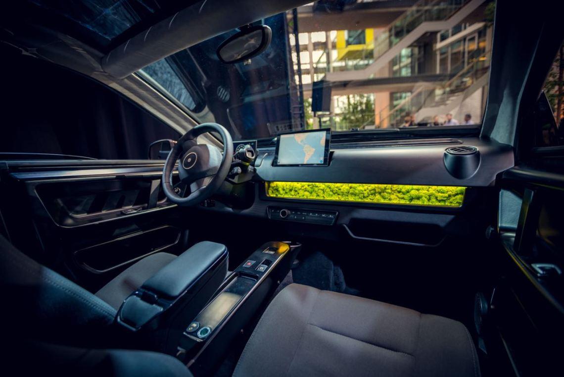 Interior do protótipo de Sion. Você dirigiria um sion?