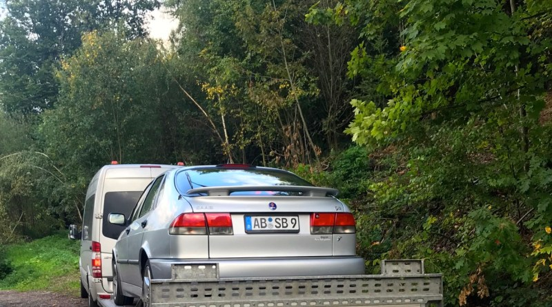 End of business trip. The Saab 9-3 Aero on the towing towards Frankfurt