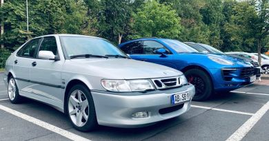Saab vs. Digitalizzazione. L'analogo è sicuramente l'auto più elegante.