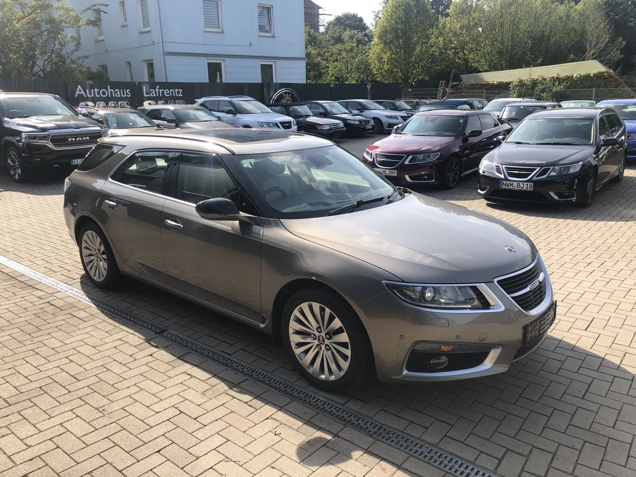 2020 Saab 9-5 Pictures