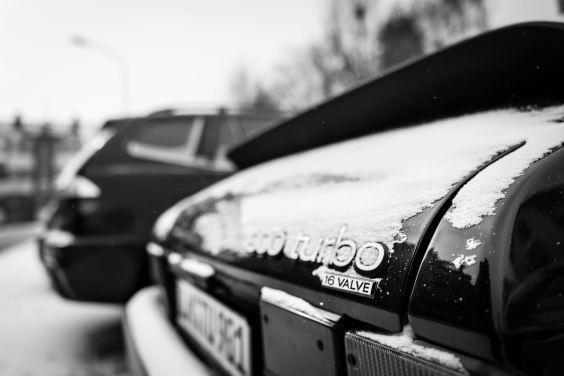 Klassischer Saab und Winter, einfach schön in Szene gesetzt von Mario.
