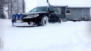 Tom skickar ett foto av hans 9-5 i snön