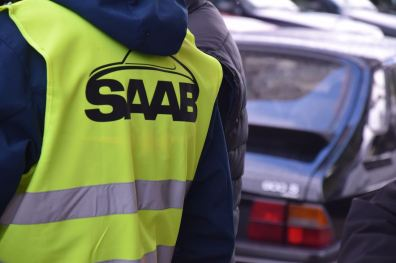 Het historische grote benzinestation in het teken van Saab