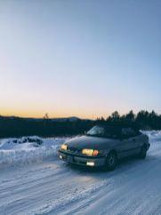 Josh rijdt zijn Saab de winter door in de VS.