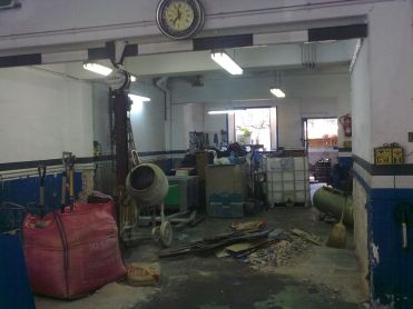 Il workshop dopo l'acquisizione, è in fase di ristrutturazione