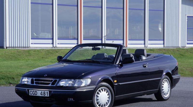 إن Saab 900 Cabriolet له صفات العبيد