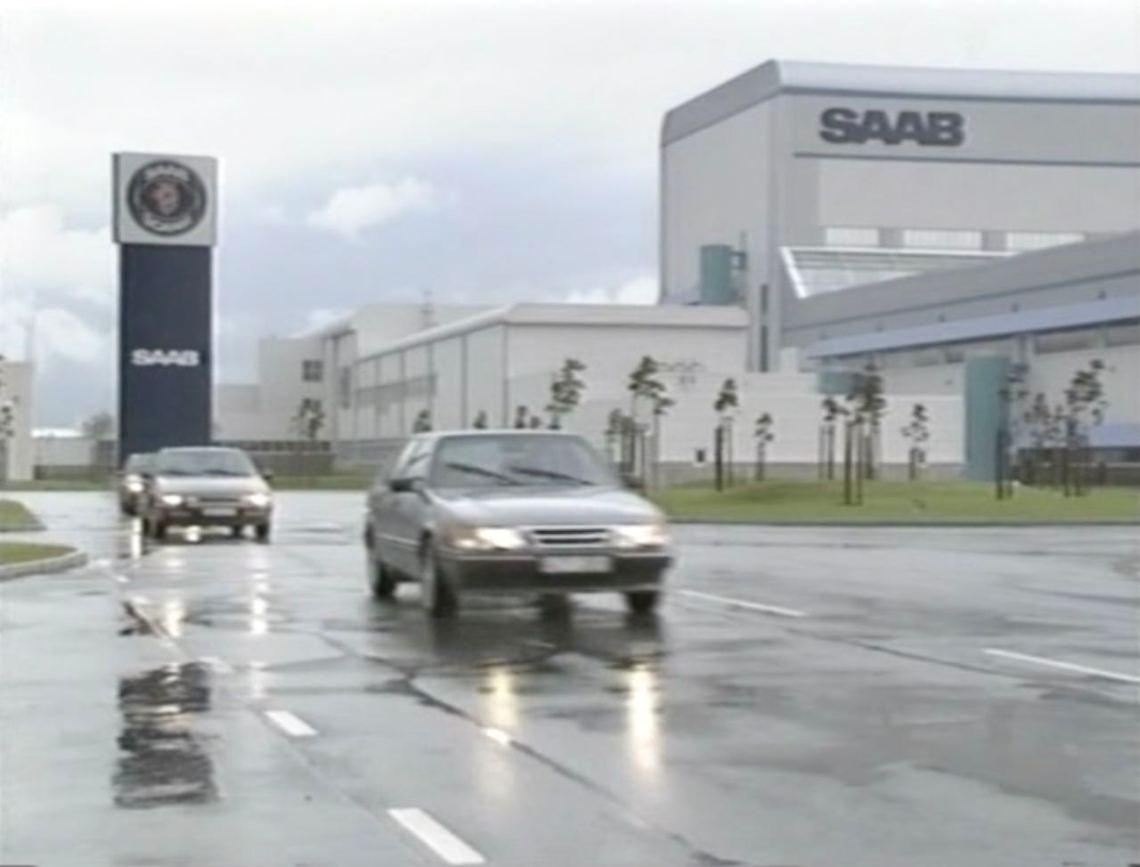 Saab 9000 en Citroën XM verlaten de Saab-fabriek