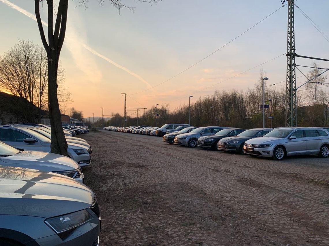 Auto ex-società del gruppo VW in giacenza. Non solo a causa della crisi di Corona.