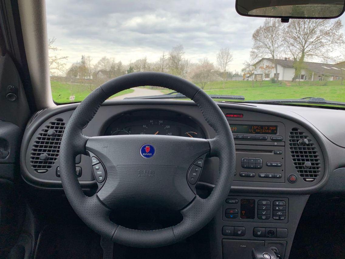 Nieuw stuurwiel, nieuw ontwerp van de cockpit