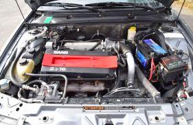 Der 2.3 Liter Turbo sorgt für ansprechende Fahrleistungen