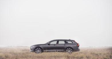 Volvo V90 modelo año 21. Limitado a 180 km / h.