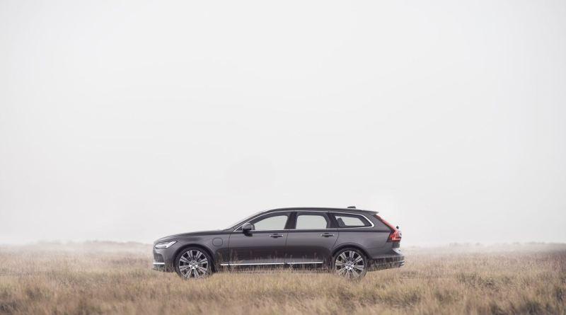 Volvo V90 Modelljahr 21. Limitiert auf 180 km/h.