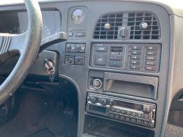 Climatizador automático, asientos con calefacción, radio contemporánea