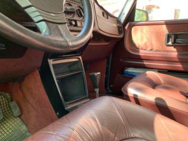 Um Saab com câmbio automático de 3 velocidades