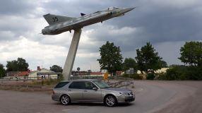 Um Saab também é um avião. Mas não é só.