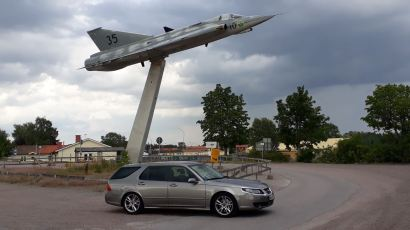 A Saab is also an airplane. But not only.