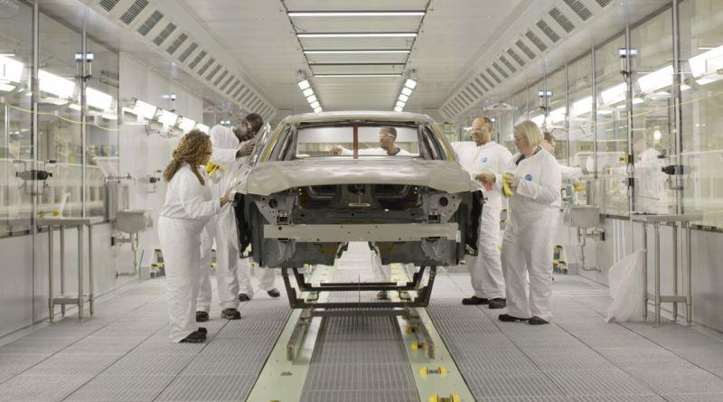 Producción de automóviles nuevos en Volvo