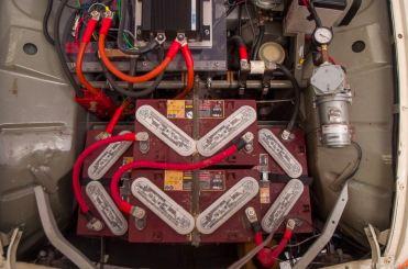 10 batterie garantiscono un'autonomia di 100 chilometri