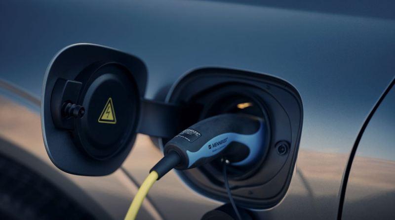 Clever Strom tanken. ! Jahr kostenlos von Volvo.