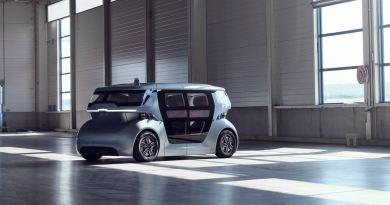 Um táxi robô dirige para o futuro. O projeto Sango.