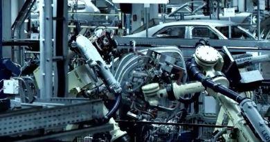 Fora do país das maravilhas. A Saab Factory Tour 2010.