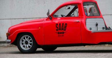 Historic car transporter based on Saab