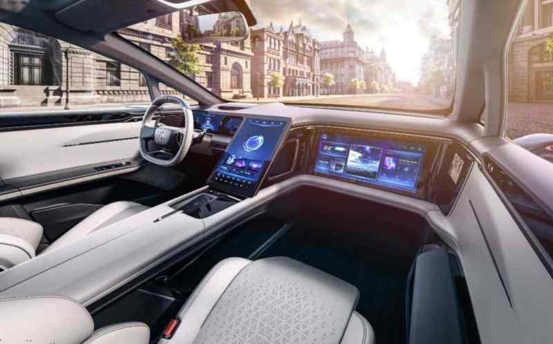 Тачскрин в машине. Прототип электромобиля от Human Horizons, серия запланирована на 2021 год