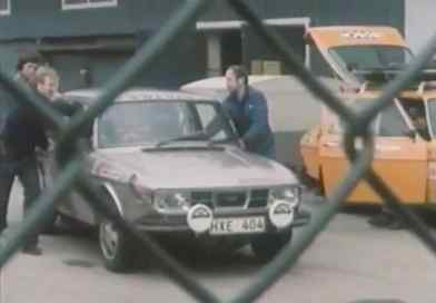 Secret! The rally department pushes a Saab 99 EMS out of the hall!