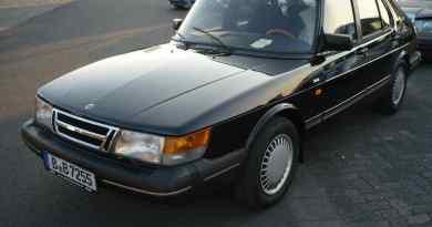 Este Saab 900i de 1991 foi roubado em Berlim