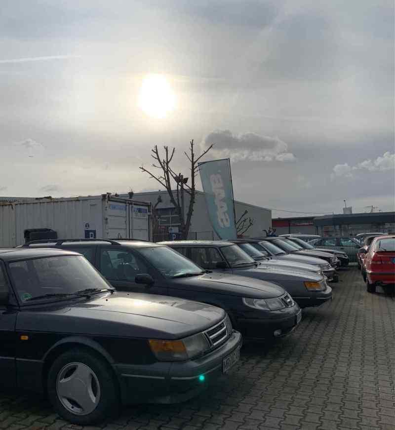 Le bandiere Saab soffiano sempre nel vento