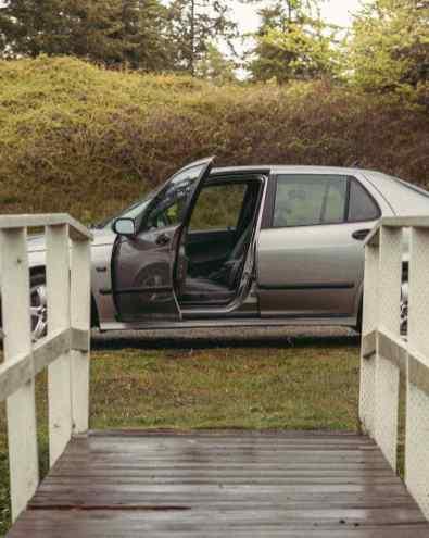 La voiture est-elle partie?