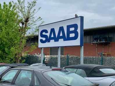Il grande scudo Saab veglia sul paese delle meraviglie